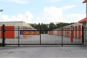 Image of Public Storage - Orlando - 8149 Aircenter Court Facility on 8149 Aircenter Court  in Orlando, FL - View 4