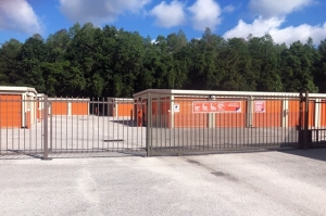 Image of Public Storage - New Port Richey - 7139 Mitchell Blvd Facility on 7139 Mitchell Blvd  in New Port Richey, FL - View 4