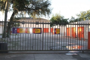 Image of Public Storage - Altamonte Springs - 310 W Central Parkway Facility on 310 W Central Parkway  in Altamonte Springs, FL - View 4