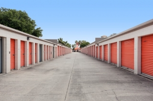 Image of Public Storage - Tampa - 1302 W Kennedy Blvd Facility on 1302 W Kennedy Blvd  in Tampa , FL - View 2