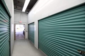 Image of Public Storage - Miami - 2336 Biscayne Blvd Facility on 2336 Biscayne Blvd  in Miami , FL - View 2