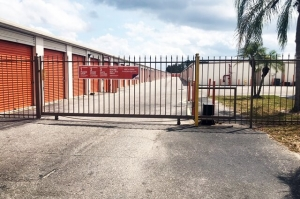 Public Storage - Fort Myers - 3232 Colonial Blvd - Photo 4