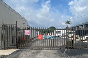 Image of Public Storage - Tampa - 10402 30th Street Facility on 10402 30th Street  in Tampa, FL - View 3