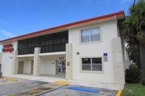 Image of Public Storage - Palm Beach Gardens - 4151 Burns Rd Facility on 4151 Burns Rd  in Palm Beach Gardens, FL - View 2