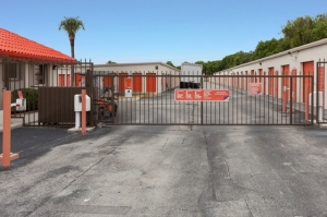 Image of Public Storage - Delray Beach - 6000 W Atlantic Ave Facility on 6000 W Atlantic Ave  in Delray Beach, FL - View 4