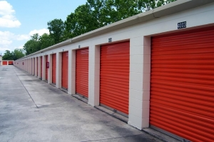 Image of Public Storage - Kissimmee - 1701 Dyer Blvd Facility on 1701 Dyer Blvd  in Kissimmee, FL - View 2