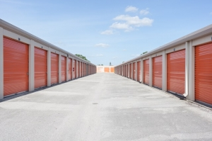 Image of Public Storage - Orlando - 250 N Goldenrod Rd Facility on 250 N Goldenrod Rd  in Orlando, FL - View 2