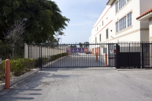 Image of Public Storage - West Palm Beach - 1247 45th Street Facility on 1247 45th Street  in West Palm Beach, FL - View 4