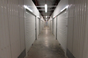 Image of Public Storage - Tampa - 16217 N Dale Mabry Hwy Facility on 16217 N Dale Mabry Hwy  in Tampa, FL - View 2