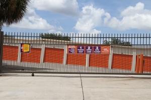 Image of Public Storage - Orlando - 8255 Silver Star Rd Facility on 8255 Silver Star Rd  in Orlando, FL - View 4