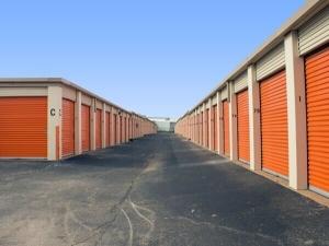 Image of Public Storage - Austin - 8128 N Lamar Blvd Facility on 8128 N Lamar Blvd  in Austin, TX - View 2