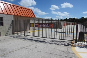 Image of Public Storage - Tampa - 8003 N Dale Mabry Hwy Facility on 8003 N Dale Mabry Hwy  in Tampa, FL - View 4