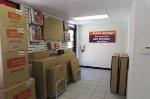 Image of Public Storage - Tampa - 8003 N Dale Mabry Hwy Facility on 8003 N Dale Mabry Hwy  in Tampa, FL - View 3