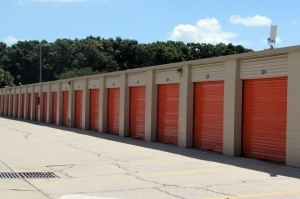 Image of Public Storage - Tampa - 8003 N Dale Mabry Hwy Facility on 8003 N Dale Mabry Hwy  in Tampa, FL - View 2