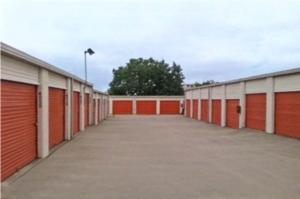 Image of Public Storage - Arlington - 175 S Watson Road Facility on 175 S Watson Road  in Arlington, TX - View 2