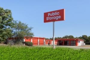 Image of Public Storage - Austin - 5016 E Ben White Blvd Facility at 5016 E Ben White Blvd  Austin, TX