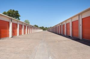 Image of Public Storage - Austin - 5016 E Ben White Blvd Facility on 5016 E Ben White Blvd  in Austin, TX - View 2