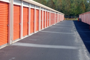 Image of Public Storage - Holiday - 2262 US Highway 19 Facility on 2262 US Highway 19  in Holiday, FL - View 2