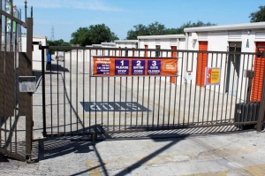 Image of Public Storage - San Antonio - 9529 Fredericksburg Road Facility on 9529 Fredericksburg Road  in San Antonio, TX - View 4