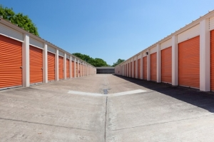 Image of Public Storage - Houston - 2305 South Dairy Ashford Facility on 2305 South Dairy Ashford  in Houston, TX - View 2