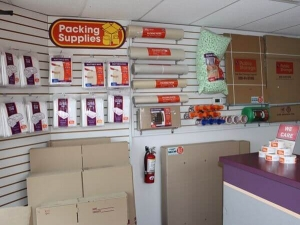 Public Storage - San Antonio - 6014 NW Loop 410 - Photo 3