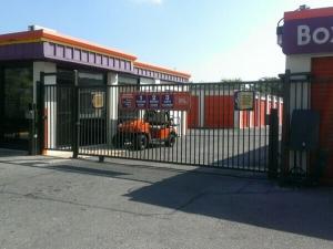 Image of Public Storage - San Antonio - 6014 NW Loop 410 Facility on 6014 NW Loop 410  in San Antonio, TX - View 4