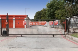Image of Public Storage - Irving - 1205 North Loop 12 Facility on 1205 North Loop 12  in Irving, TX - View 4