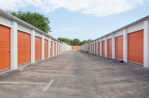 Image of Public Storage - Austin - 10100 North I-35 Facility on 10100 North I-35  in Austin, TX - View 2