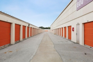 Image of Public Storage - Houston - 6336 Fairdale Lane Facility on 6336 Fairdale Lane  in Houston, TX - View 2