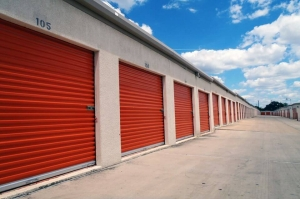 Picture 1 of Public Storage - San Antonio - 555 W Sunset Road - FindStorageFast.com
