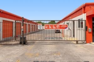 Public Storage - Austin - 7200 S 1st Street - Photo 4