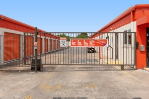 Image of Public Storage - Austin - 7200 S 1st Street Facility on 7200 S 1st Street  in Austin, TX - View 4
