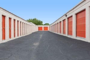 Image of Public Storage - Austin - 7200 S 1st Street Facility on 7200 S 1st Street  in Austin, TX - View 2