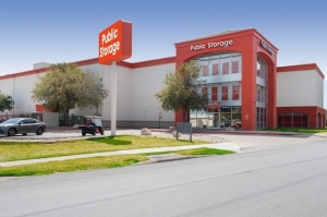 Image of Public Storage - Austin - 8101 N Lamar Blvd Facility at 8101 N Lamar Blvd  Austin, TX