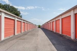 Image of Public Storage - Austin - 8101 N Lamar Blvd Facility on 8101 N Lamar Blvd  in Austin, TX - View 2