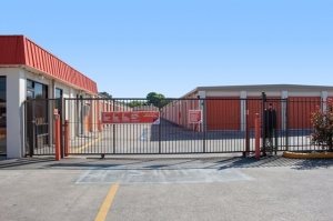 Image of Public Storage - Houston - 12670 Veterans Memorial Drive Facility on 12670 Veterans Memorial Drive  in Houston, TX - View 4