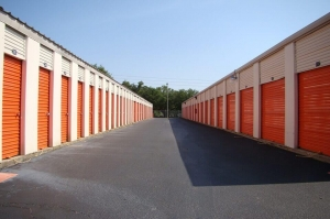 Public Storage - Pensacola - 944 Creighton Road - Photo 2