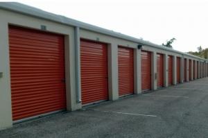 Image of Public Storage - Sarasota - 4050 Bee Ridge Rd Facility on 4050 Bee Ridge Rd  in Sarasota, FL - View 2