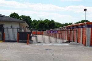 Image of Public Storage - Houston - 5707 Bingle Road Facility on 5707 Bingle Road  in Houston, TX - View 4