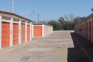 Image of Public Storage - Carrollton - 2715 Realty Drive Facility on 2715 Realty Drive  in Carrollton, TX - View 2