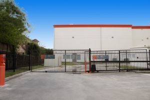 Image of Public Storage - Houston - 5615 Westheimer Rd Facility on 5615 Westheimer Rd  in Houston, TX - View 4