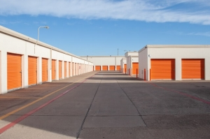 Public Storage - Dallas - 2861 Walnut Hill Lane - Photo 2