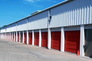 Image of Public Storage - Dallas - 4401 S Westmoreland Road Facility on 4401 S Westmoreland Road  in Dallas, TX - View 2