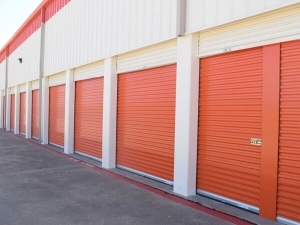 Public Storage - Dallas - 11085 Walnut Hill Lane - Photo 2