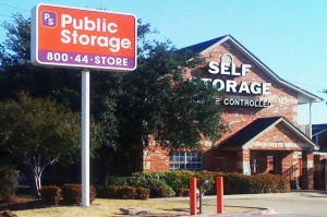 Image of Public Storage - Grand Prairie - 2909 S State Highway 360 Facility at 2909 S State Highway 360  Grand Prairie, TX