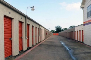 Picture of Public Storage - Dallas - 2840 S Westmoreland Road
