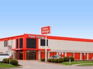 Image of Public Storage - Plano - 2801 Avenue K Facility on 2801 Avenue K  in Plano, TX - View 3