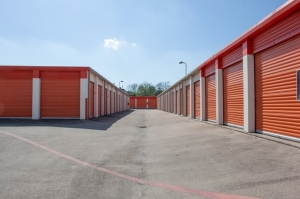 Image of Public Storage - Fort Worth - 5204 McCart Ave Facility on 5204 McCart Ave  in Fort Worth, TX - View 2