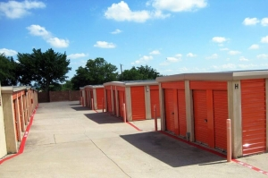 Image of Public Storage - Fort Worth - 799 East Loop 820 Facility on 799 East Loop 820  in Fort Worth, TX - View 2