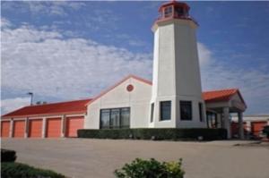 Image of Public Storage - Lewisville - 601 North Stemmons Freeway Facility at 601 North Stemmons Freeway  Lewisville, TX